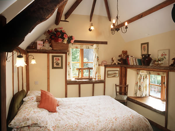 Bedroom 1 at The Tallat House. Self catering Devon cottage  English Country Cottage rental